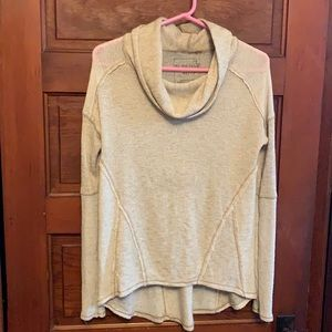 We the Free pullover cowl neck size XS